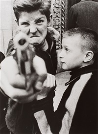 gun 1, new york by william klein