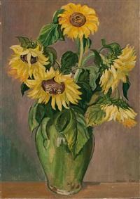 sonnenblumen in vase by florian bosch