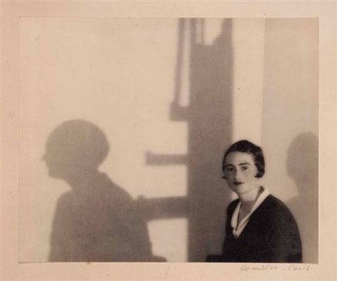 portrait de lactrice renée devillers et son ombre paris by lee miller