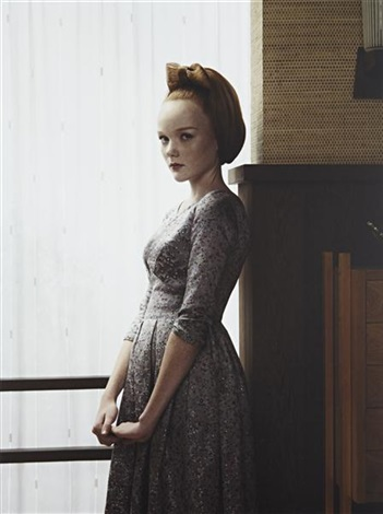 victoria from grief by erwin olaf