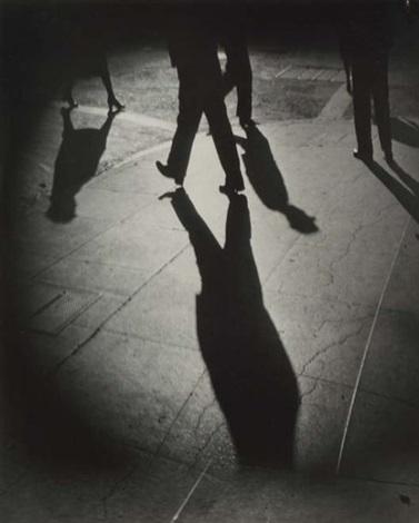 ombres au coin de la rue by weegee