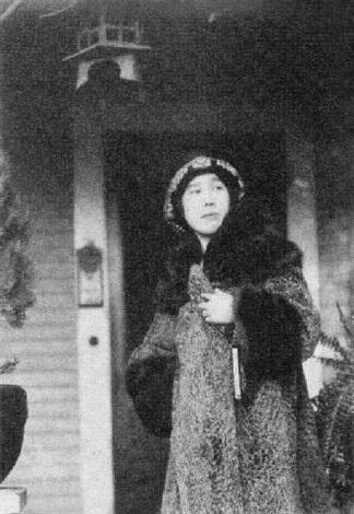 portrait of kiyoko m yoshi by toyo miyatake