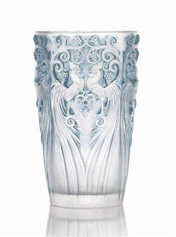 coqs et raisins vase no 1034 by rené lalique