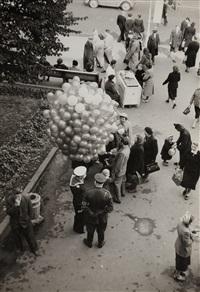 street scene on nevski prospect, leningrad by cornell capa
