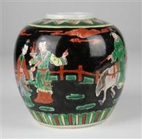 清黑地粉彩盖罐(缺盖)<br/>a scenic black ground qing famille rose pot (missing cover)