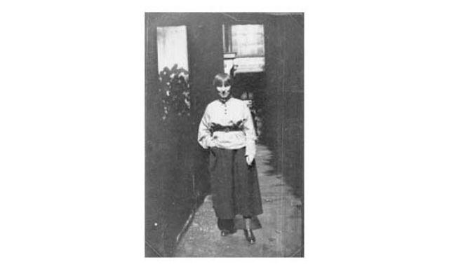 portrait de sa maîtresse suzanne malherbe by claude cahun