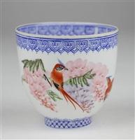 乾隆年制款脱胎外画花卉锦鸡图杯<br/>a scenic qianlong bird and flower ceramic cup