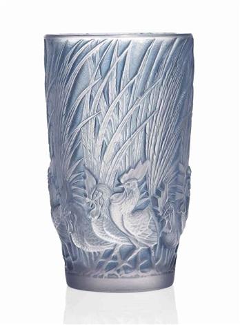 coqs et plumes vase no 1033 by rené lalique