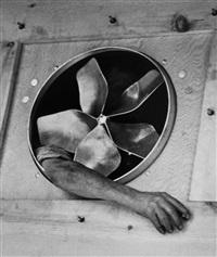 fan, dec 1937 by andré kertész