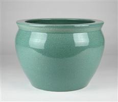 清晚期青釉画缸<br/>a late qing dynasty ceramic celadon pot