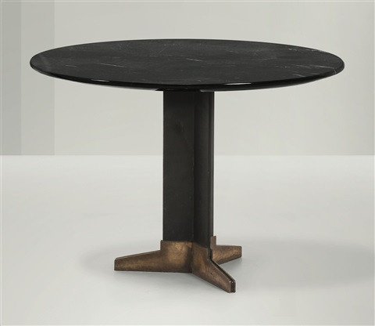 Tavolo basso con struttura in ferro e ottone by Ignazio ...