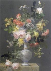 vase de fleurs sur un entablement by pierre garnier