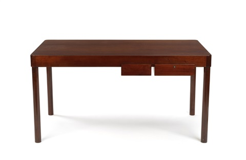writing table by arne jacobsen