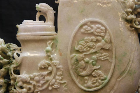 chinese intricately carved jadeite foo dogs vessel