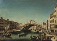 il ponte di rialto visto da sud con la riva del carbone a destra e quella del vino a sinistra by francesco albotto