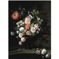 natura morta con rose centifolia, peonie, anemoni, lillà e papavero in un vaso by antoine monnoyer