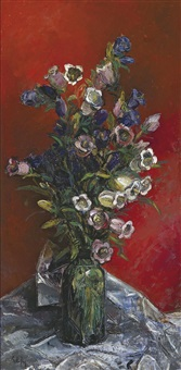 glas mit glockenblumen auf weißem tuch vor rotem hintergrund by elfy haindl-lapoirie