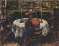 interior med kvinde ved bord by mogens gad