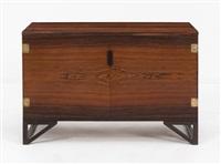 meuble de rangement à deux portes by svend langkilde