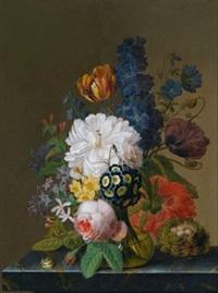 blumenstillleben in einer glasvase auf einer marmorplatte, daneben ein nest mit wachteleiern und eine schnecke by georg frederik ziesel