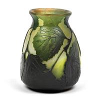 kleine vase by legras (co.)
