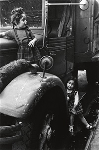 two girls on a truck by helen levitt