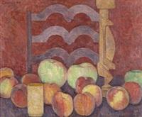 stilleben mit pfirsichen, äpfeln und skulptur by helmut collmann