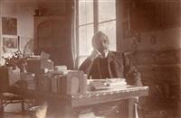 maurice maeterlinck, écrivain, assis à son bureau, le 24 décembre by paul marsan dornac
