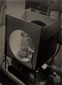 das lichtrequisit bei der montage, 1930 by lászló moholy-nagy