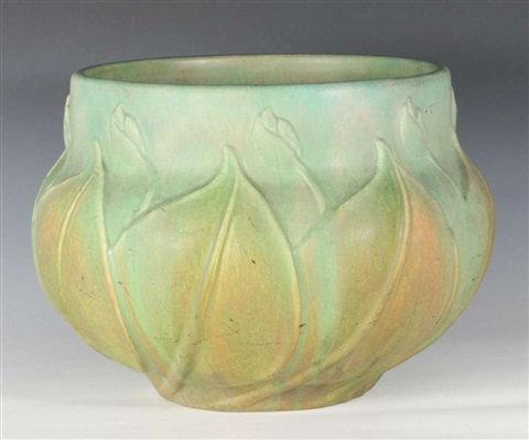A RARE LARGE ROSEVILLE VELMOSS POTTERY JARDINIERE by