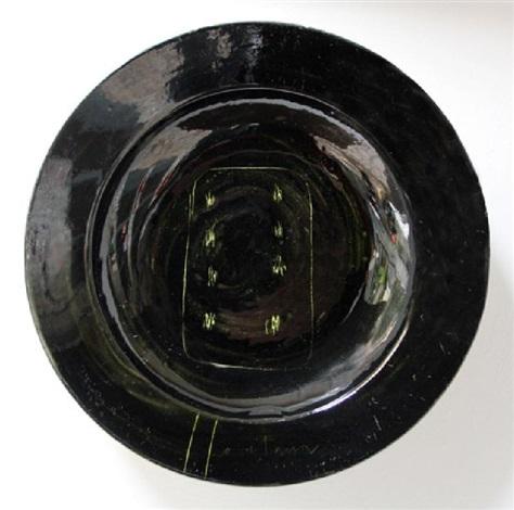 piatto, concetto spaziale by lucio fontana
