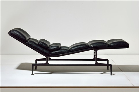 Chaise Longue Model Soft Pad By Charles Eames