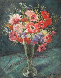 glass with plain flowers by paul scortesco