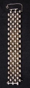 armband by arno malinowski