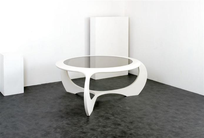 Grande tavolo rotondo by Fabio Novembre on artnet