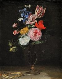 vase de tulipes, roses et autres fleurs by cornelis kick