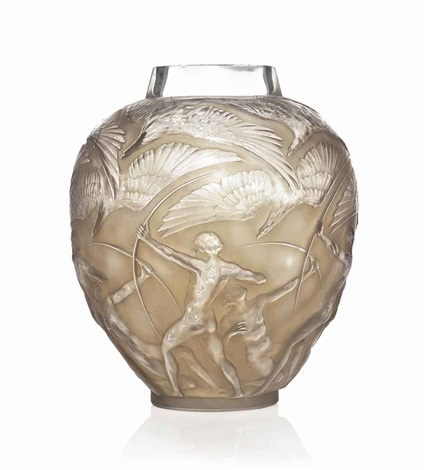 archer vase no 893 by rené lalique