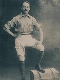 arnold henry savage landor en tenue d'explorateur, portrait en pied by alexander bassano