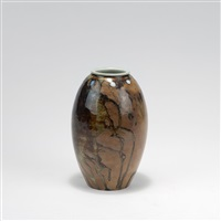 vase by taxile doat