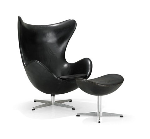 ägget armchair with footstool set of 2 by arne jacobsen