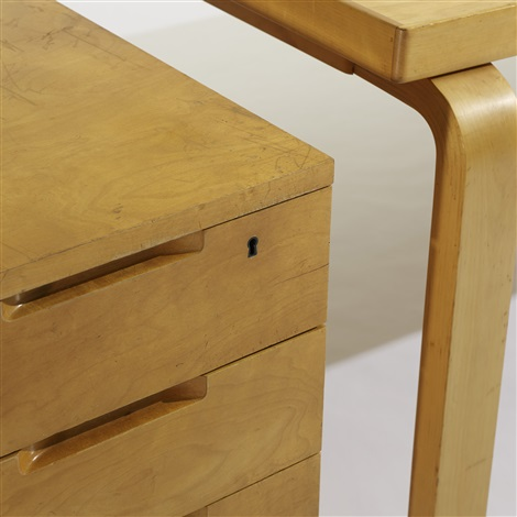 l leg desk with return by alvar aalto
