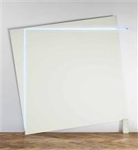 un grand angle de néon sur un tableau sur un transformateur by françois morellet