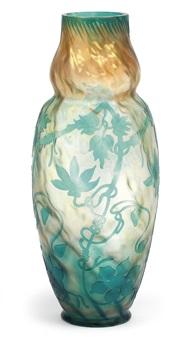 vase mit clematisranken by st. denis et pantin