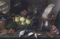 küchenstilleben mit früchten, kupfer und tongeschirr sowie einem rippenstück by cornelis jacobsz. delff