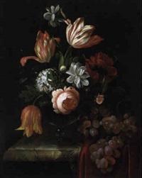 blumenstrauß von tulpen, rosen, gardenien und einem schneeball by anna elisabeth ruysch