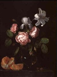 ein blumenstrauß von rosen, lilien und einer nelke in einer glasvase... by simon luttichuys