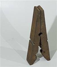 skulptur: eisenklämmerli by rolf iseli