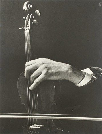 szymon goldbergs hand in concert by ilse bing