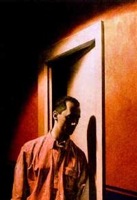 hombre ante la puerta by roberto fernandez balbuena
