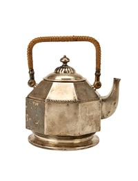 pre-production tea kettle (model 42417) by peter behrens